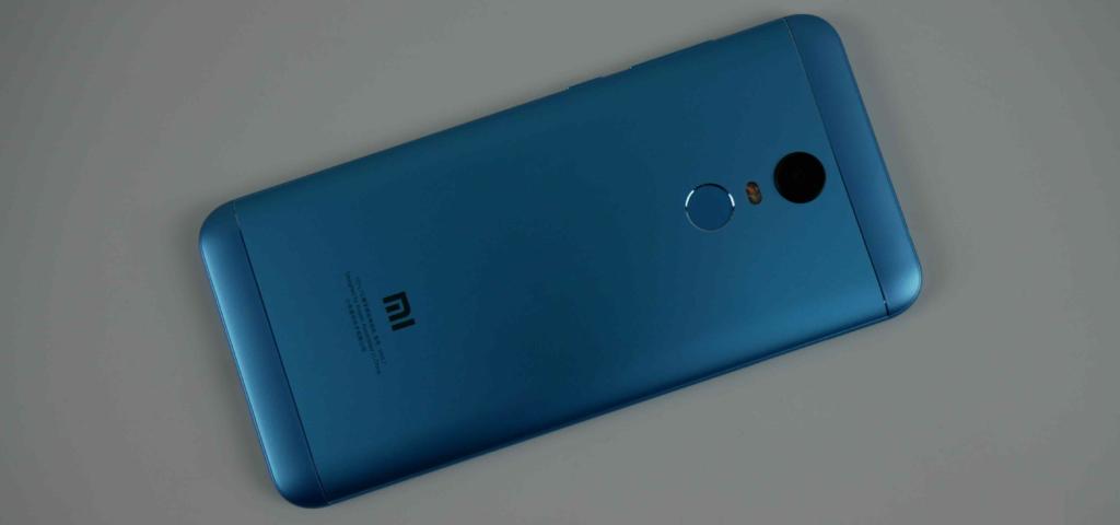Xiaomi Redmi 5 Plus/ Задняя панель